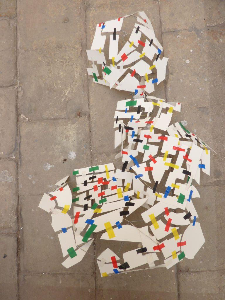scotch , papier, aimant / modulable / 60x80 cm / 2013